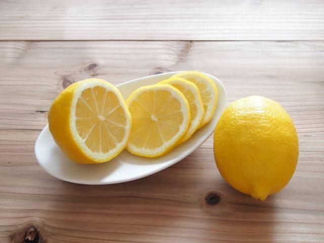 ダイエット 水 レモン 塩